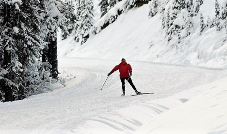 Skate skiing up a mountain - finding glide